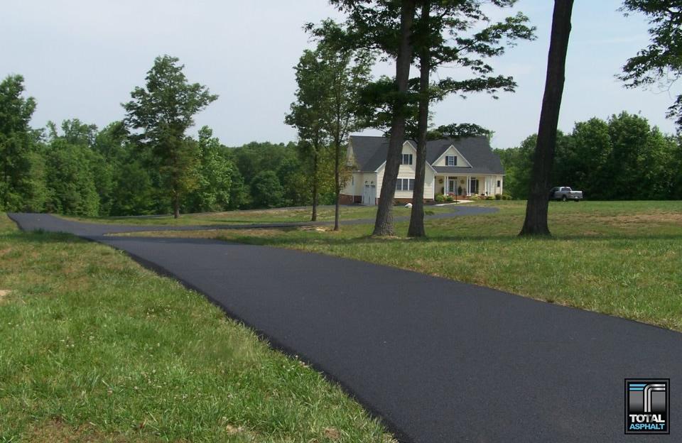 Asphalt-Driveway-2.jpg