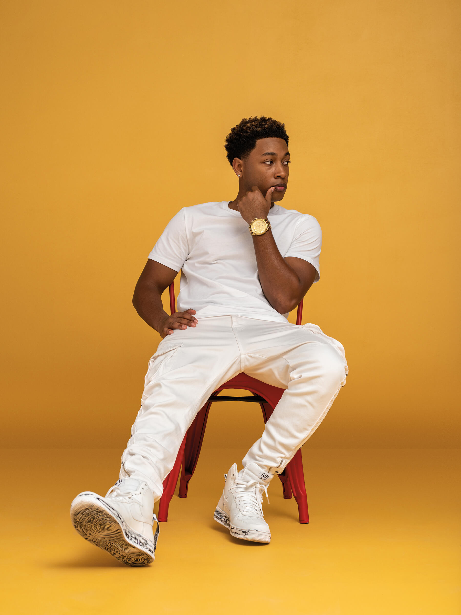 CHI_FLATCOLOR-JacobLatimore_034r.jpg