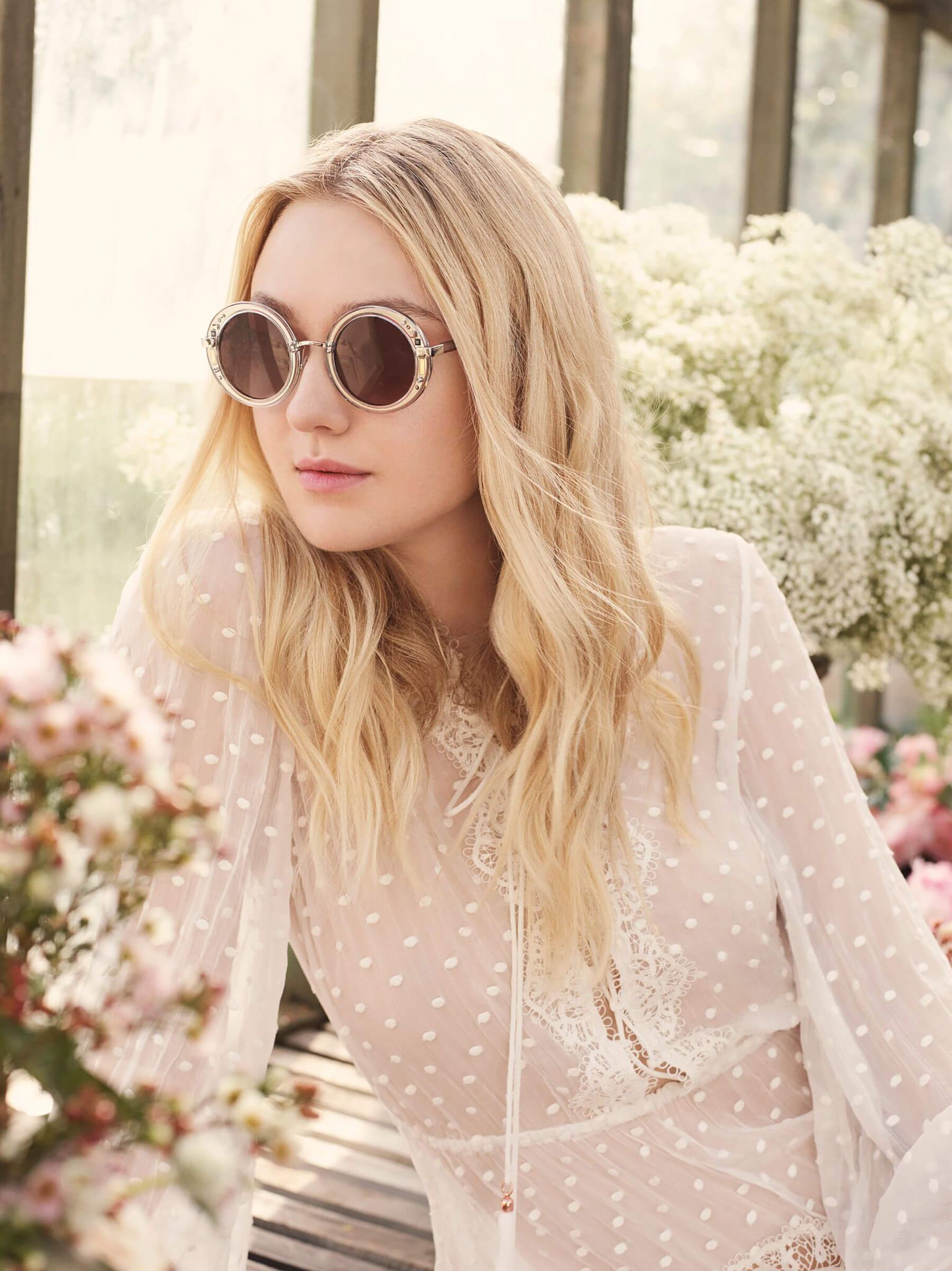 JIMMY CHOO SS17 STYLE DIARY DAKOTA FANNING WEARING THE GEM SUNGLASSES_preview.jpeg