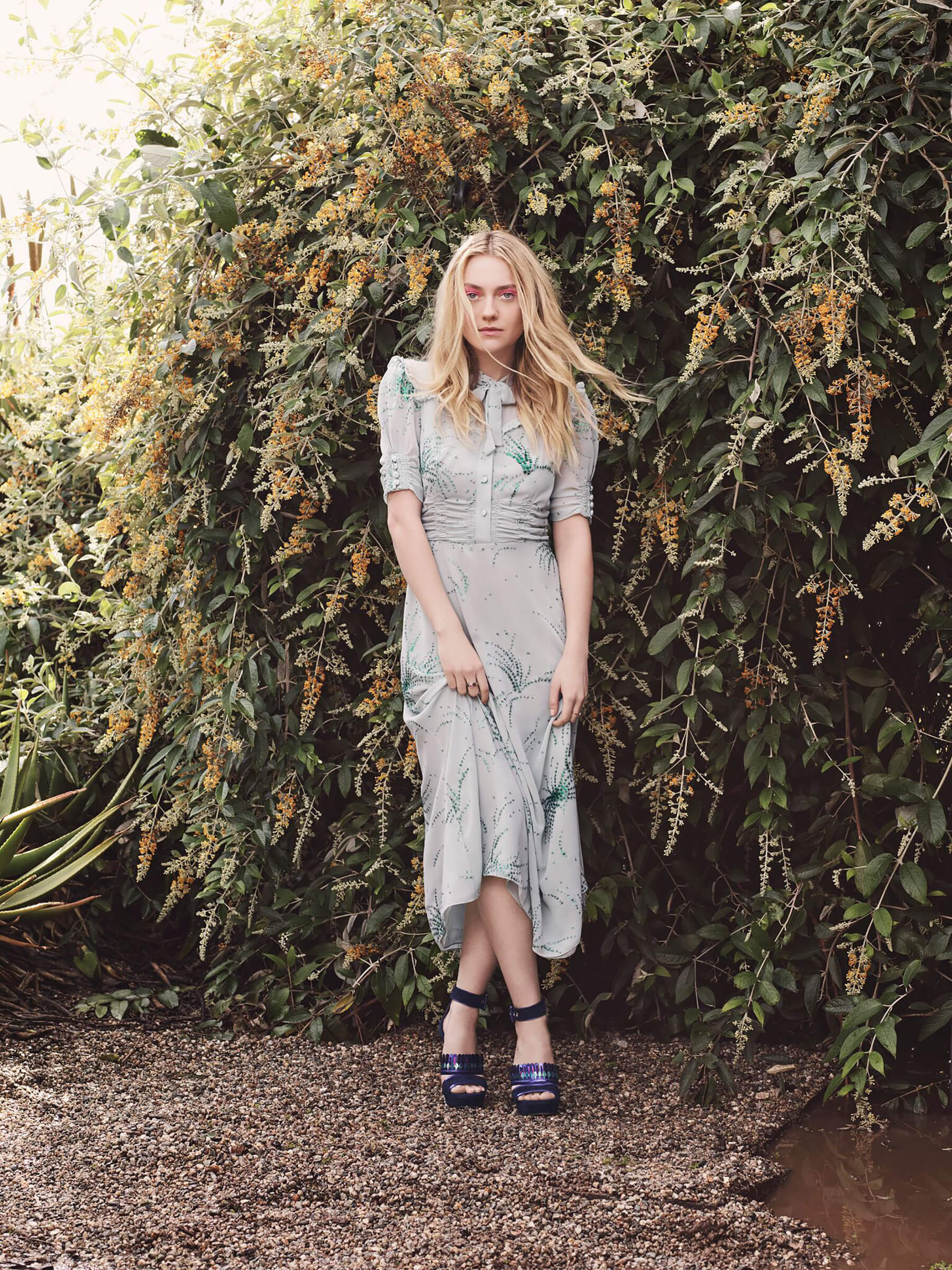 JIMMY CHOO SS17 STYLE DIARY DAKOTA FANNING WEARING THE KATHLEEN SHOE (2)_preview.jpeg