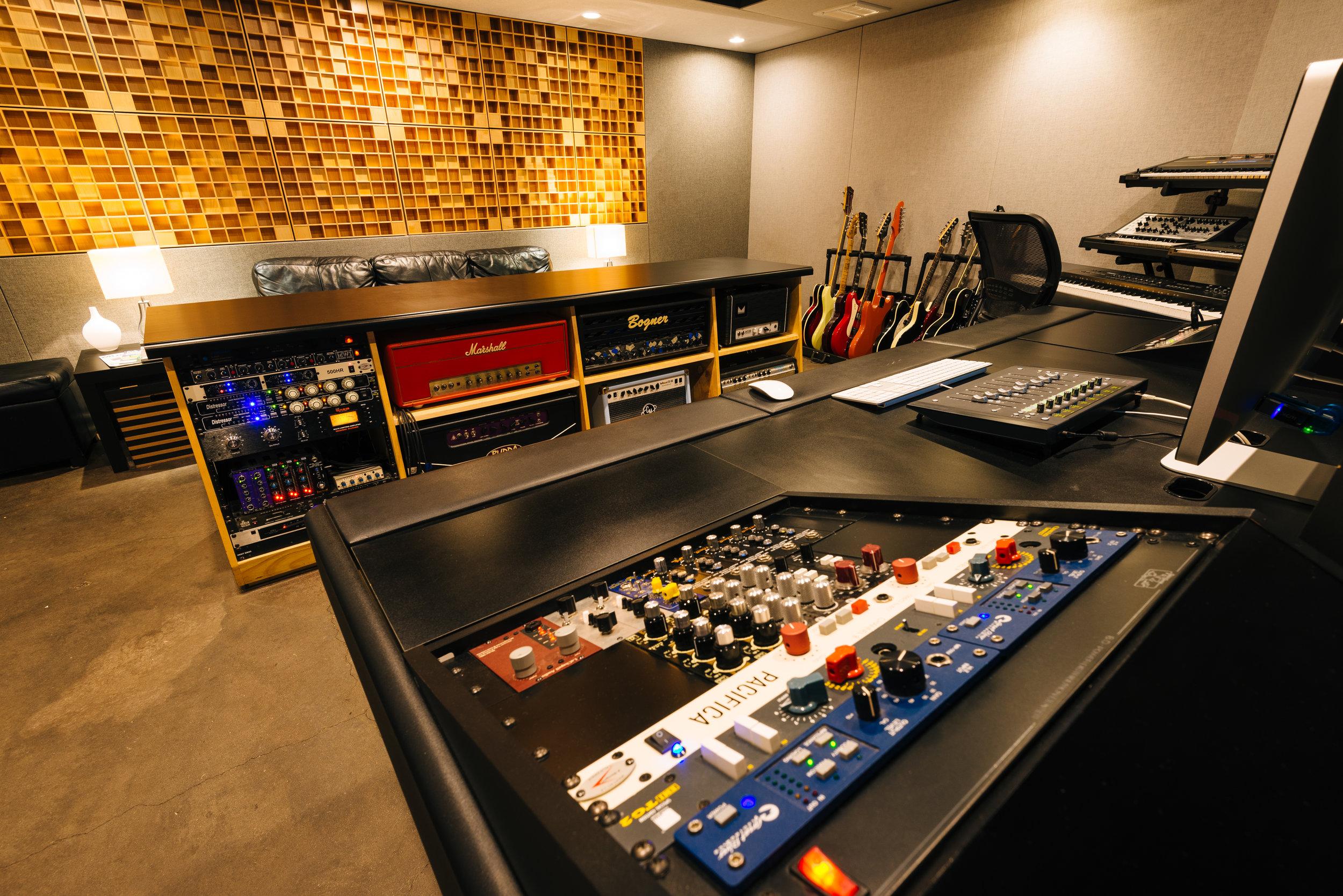 Archer Avenue Studio