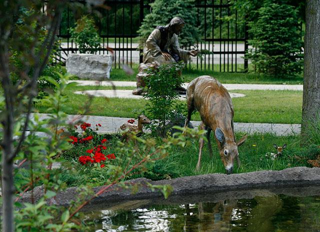 Deer-statue.jpg