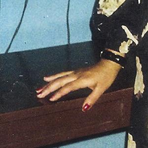 Diego Vargas - Comunicación Audiovisual. Ha sido miembro del colectivo Maldeojo y Recontrapai. Parte de la gente que revivió la esencia fanzinera en la fotografía de Lima. Ha desarrollado su archivo entre la vivencia en la ciudad, el Hip-Hop, y las lagunas mentales. Su interés se basa en re descubrir la imagen a través del sonido, tomando los recursos necesarios de la exploración del cine y el beatmaking.