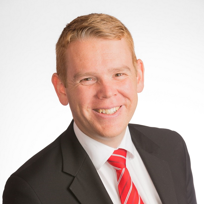 Chris Hipkins Official Portrait.jpg