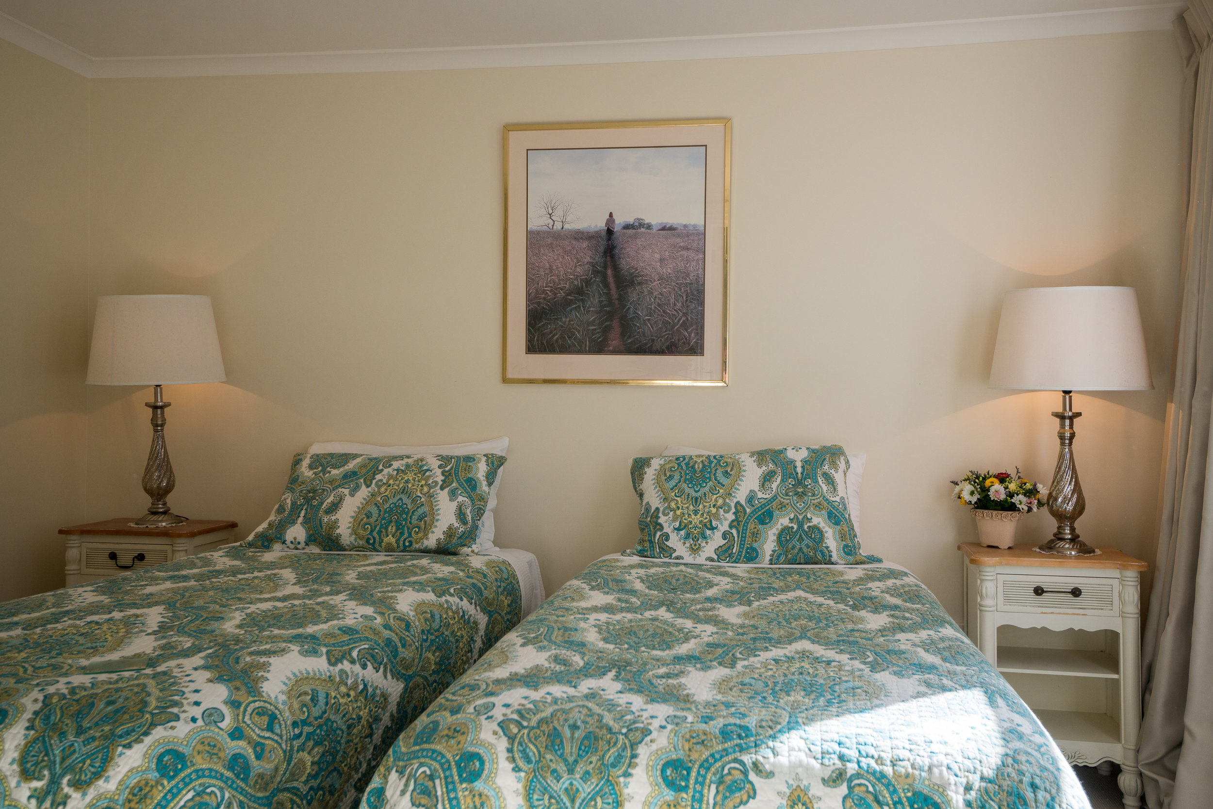 Theatre Royal Hotel Burridges Cottage twin bedroom (1).jpg