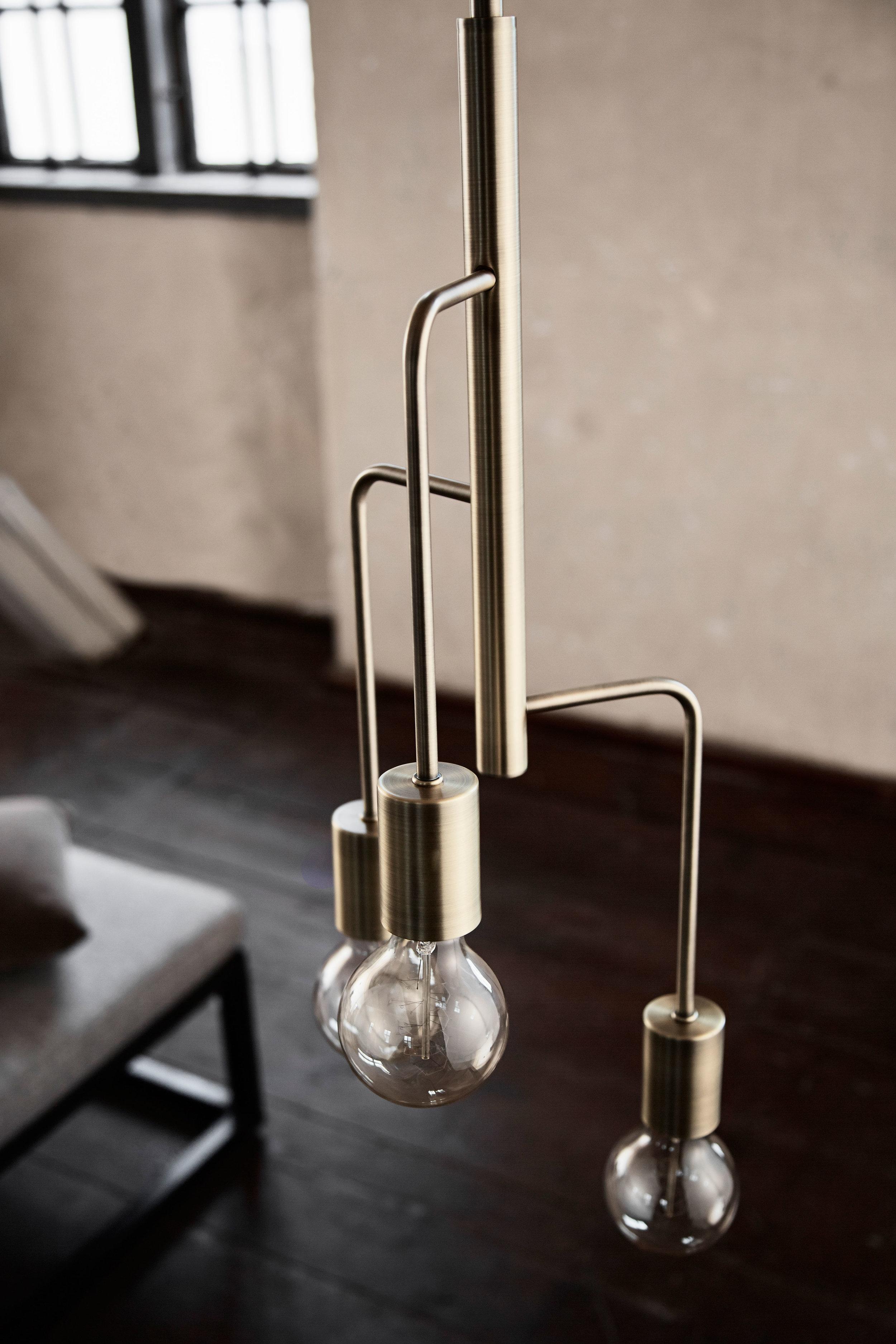 Metal chandelier with 3 arms. Dimensions: ø25 cm Variants: Brass | Black | Copper Designer: Frandsen Design Studio    MORE