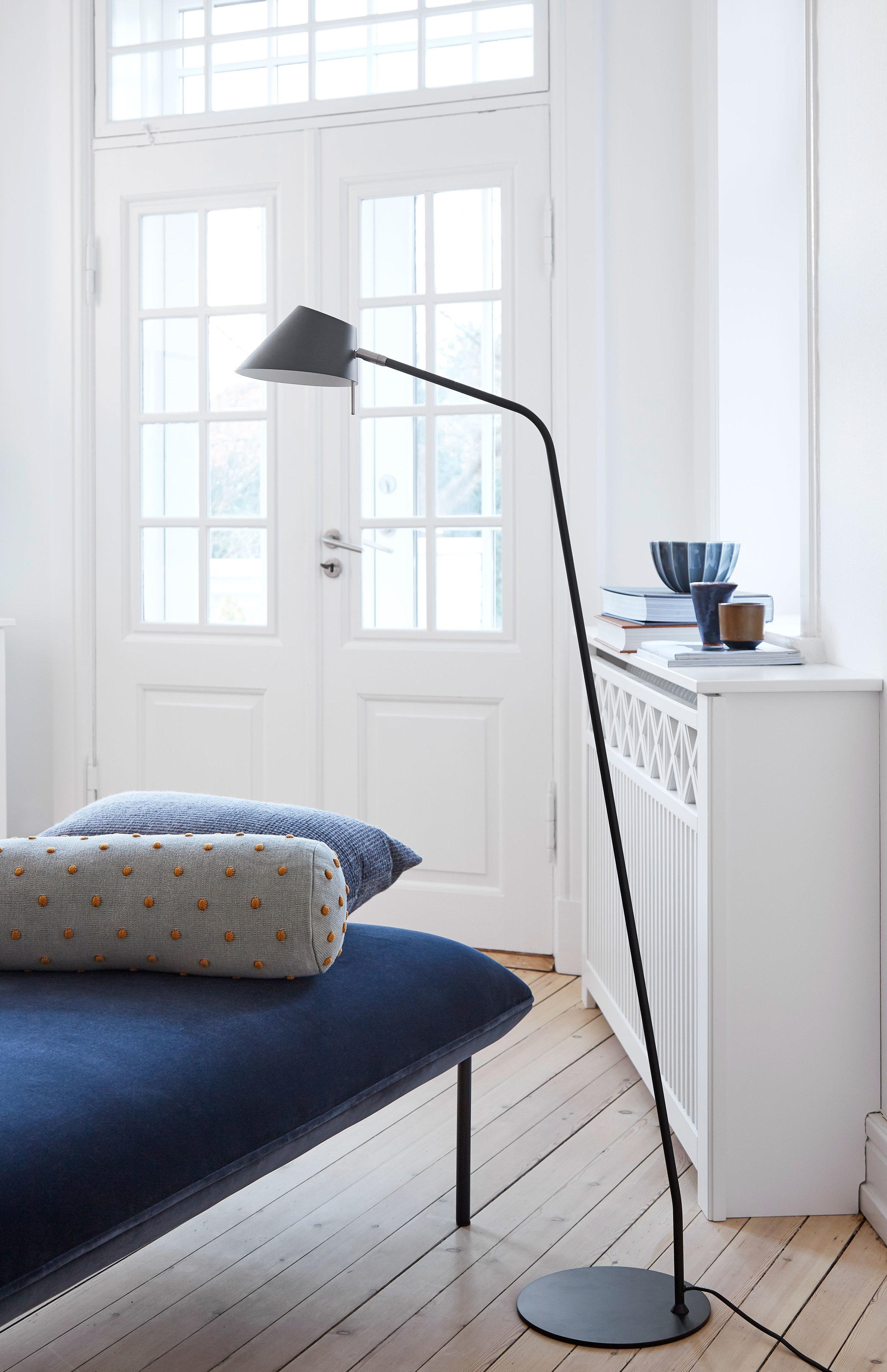 Metal floor lamp. Dimensions: H140 cm | ø18 cm Variants: Black   Designer: Frandsen Design Studio    MORE