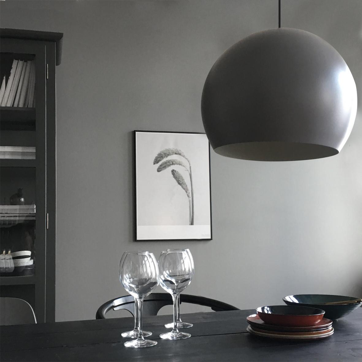 Ball pendant 40 cm aluminium grey matt - lifestyle HM Marts_3 1530.jpg