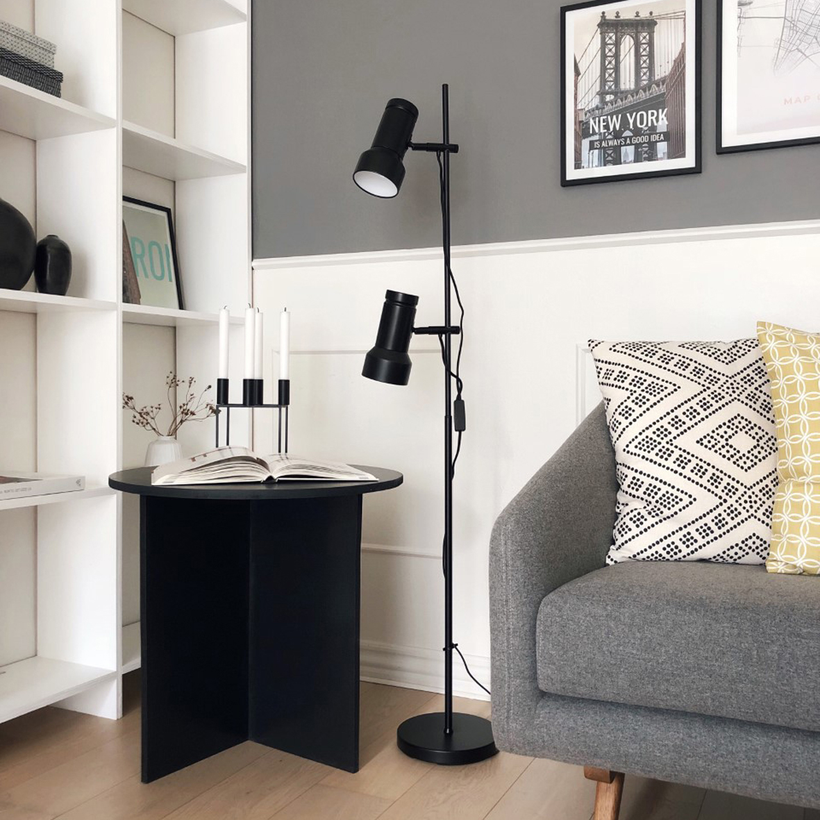 Klassik floor lamp black matt - lifestyle LOB 3346.jpg