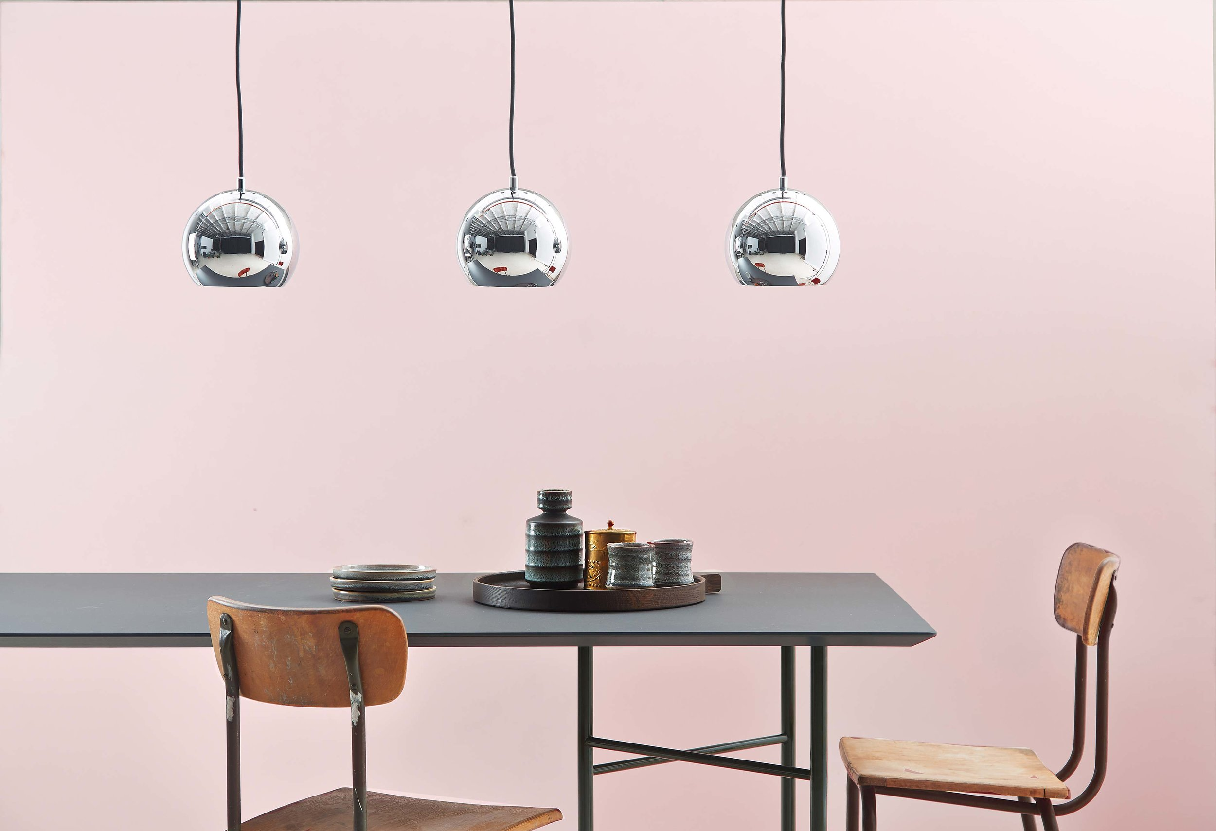 Ball-track-chrome-glossy---lifestyle-Studio-Horsens-1360.jpg