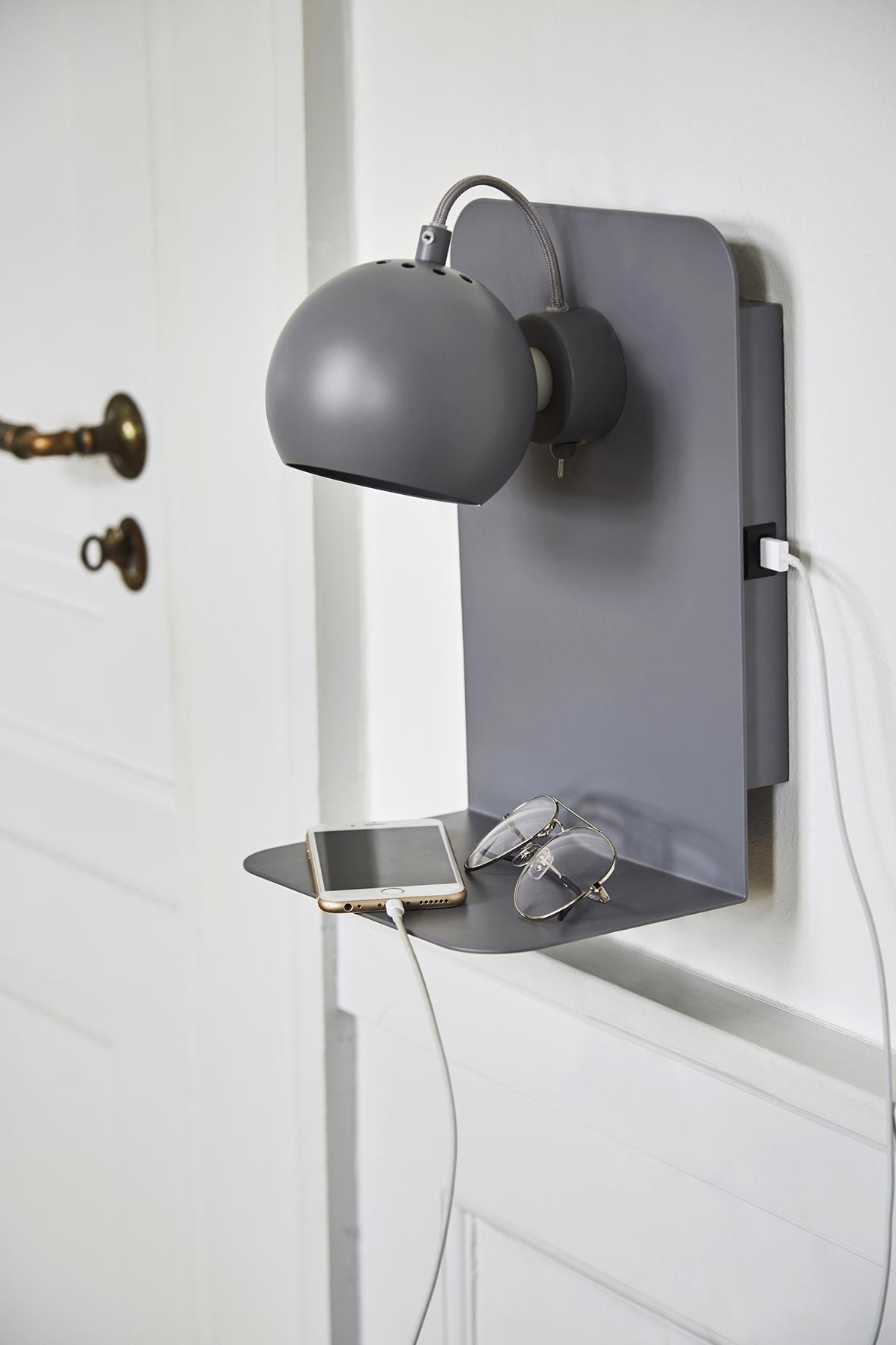 Ball USB wall lamp grey matt - lifestyle Raadhusgade 4016_V1.jpg