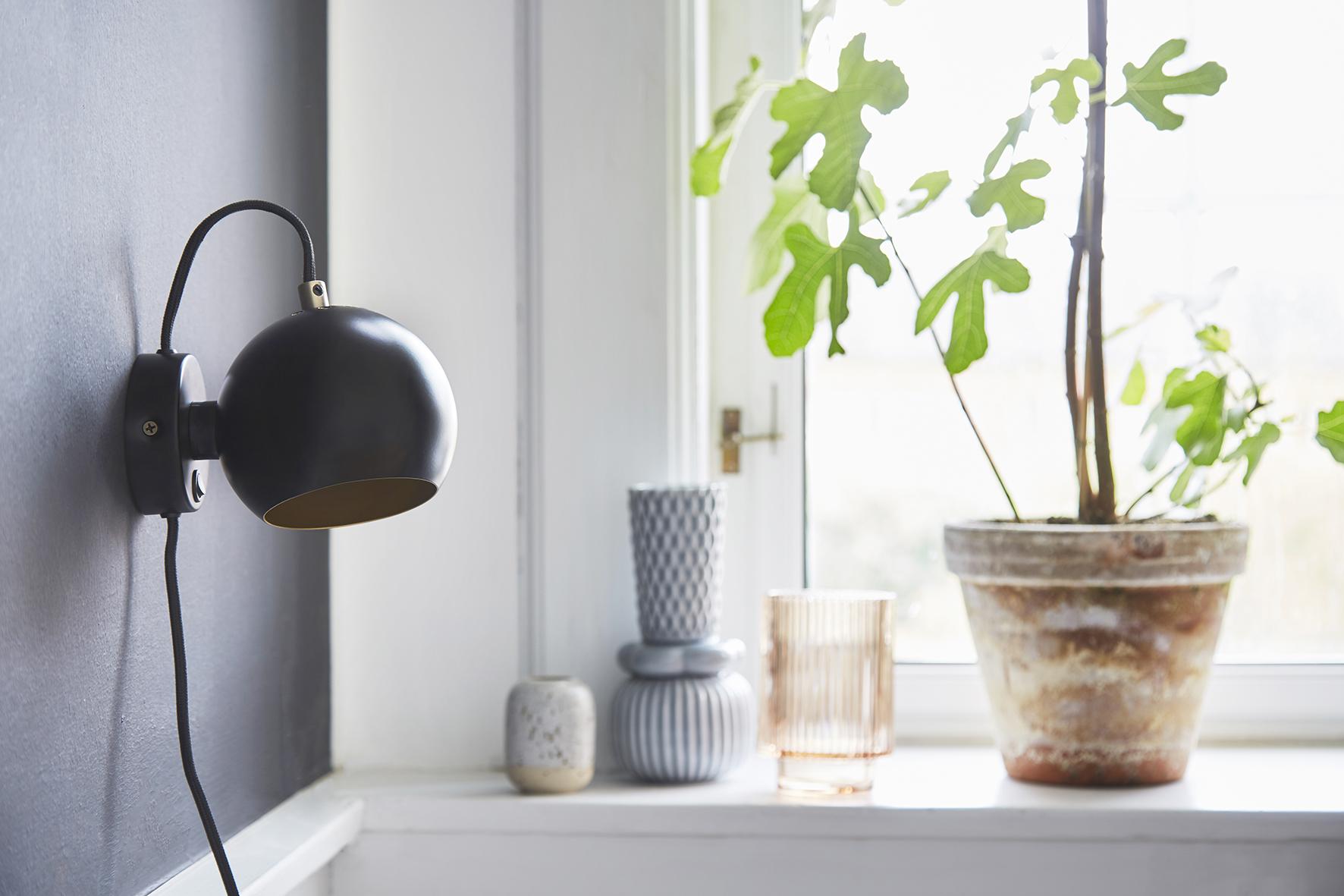 Ball wall lamp anniversary black matt - lifestyle Raadhusgade 4355_V2.jpg
