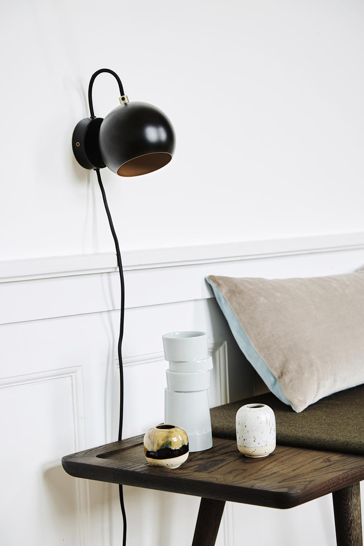 Ball wall lamp anniversary black matt - lifestyle Raadhusgade 4355.jpg