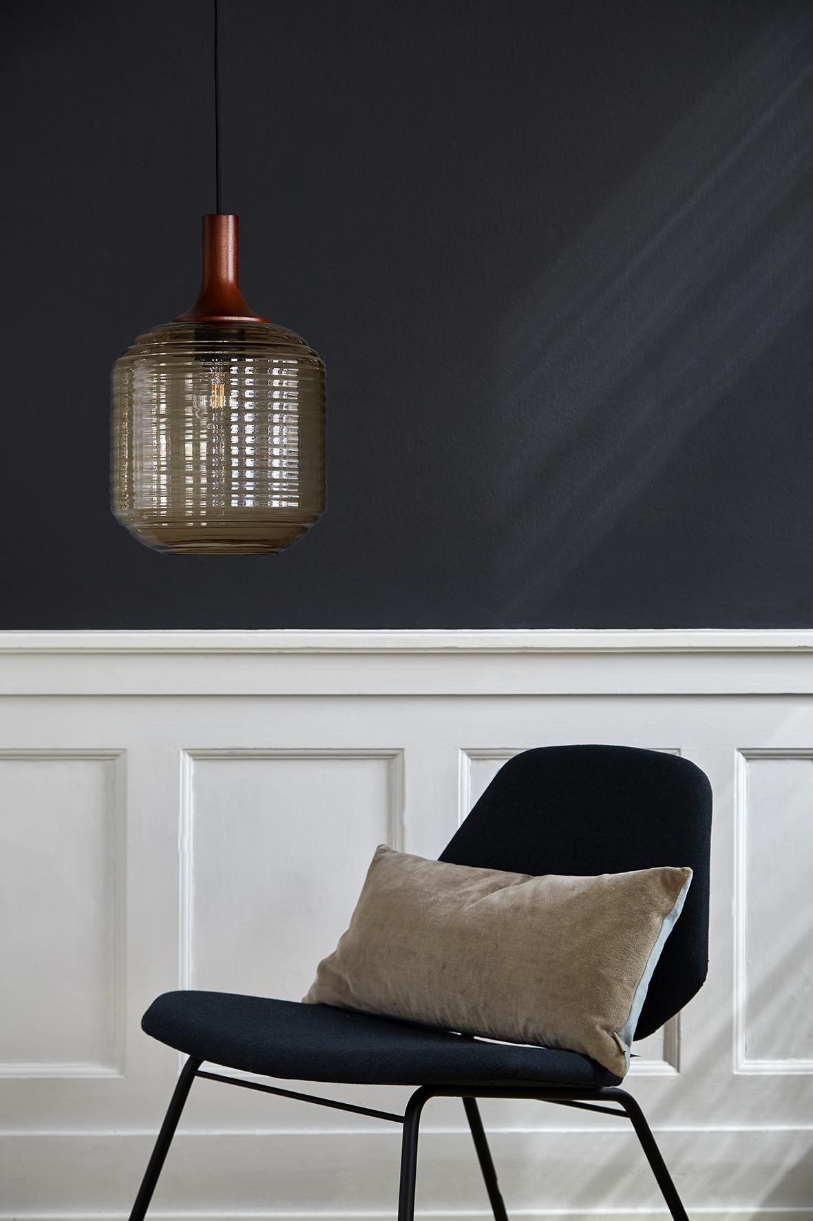 Honey pendant amber glass stained wood - lifestyle Raadhusgade.jpg