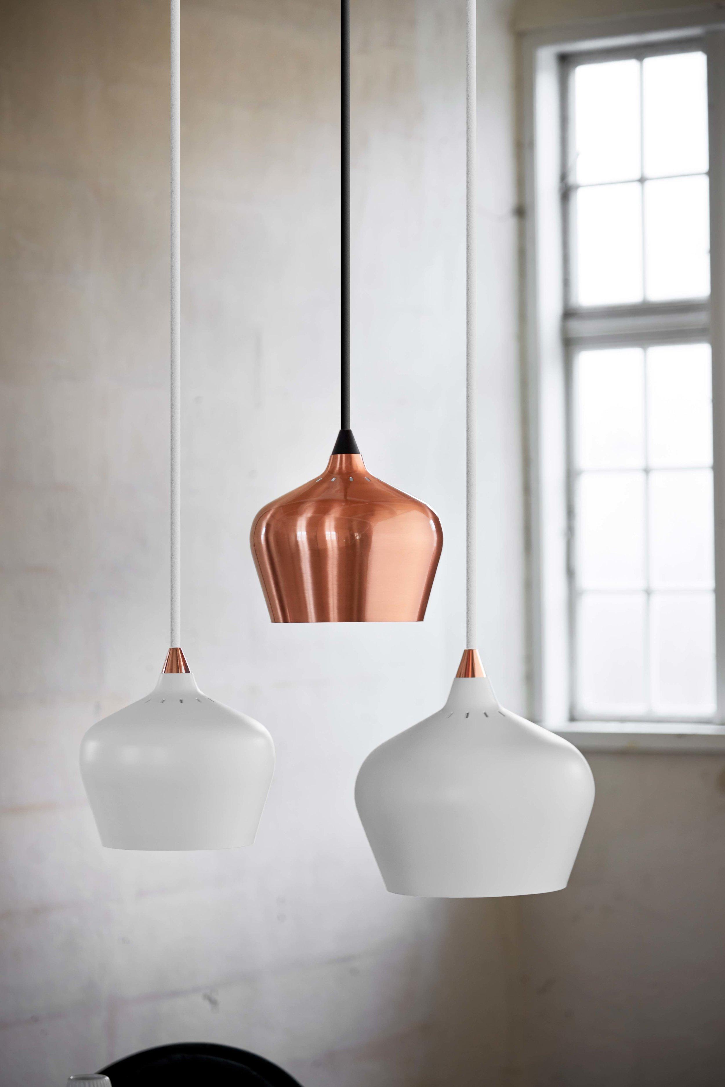 Cohen-pendant-white-and-copper---lifestyle-Arsenalgaarden.jpg
