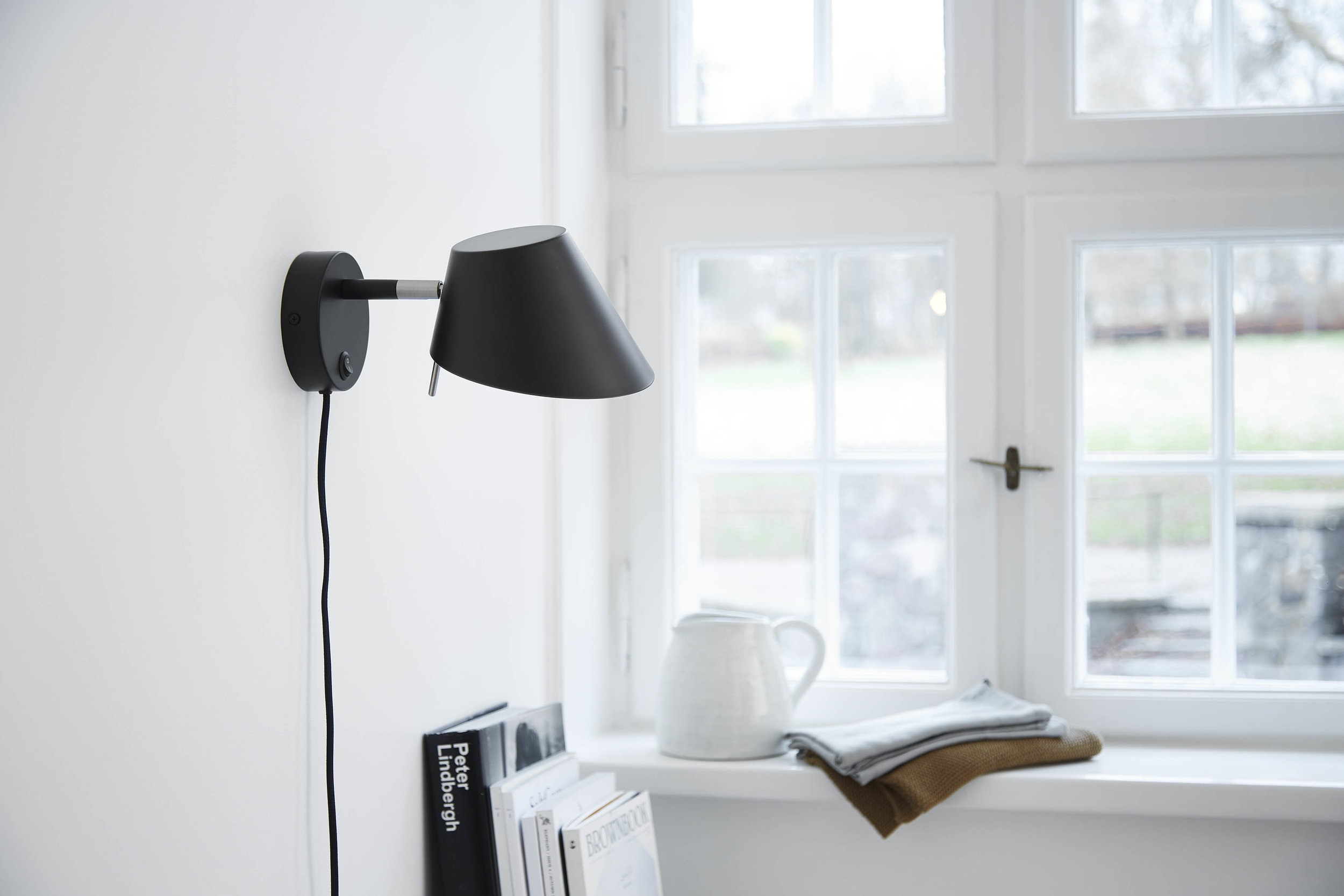 Office wall lamp black matt - lifestyle Teglgårdsvej 4302.jpg