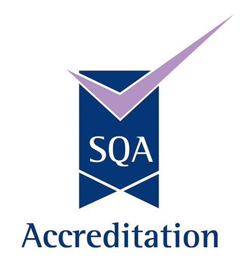 logo-sqa-accreditation-1-476x526.jpg
