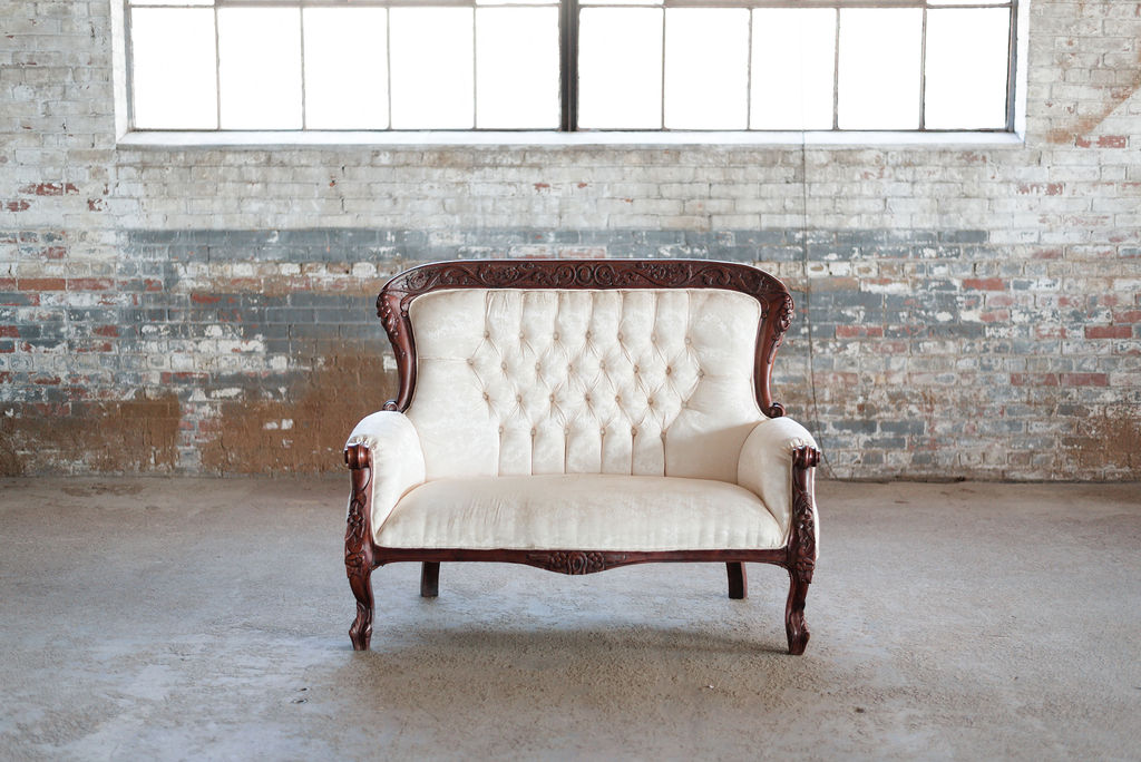 Emma Settee in Ivory Tuft