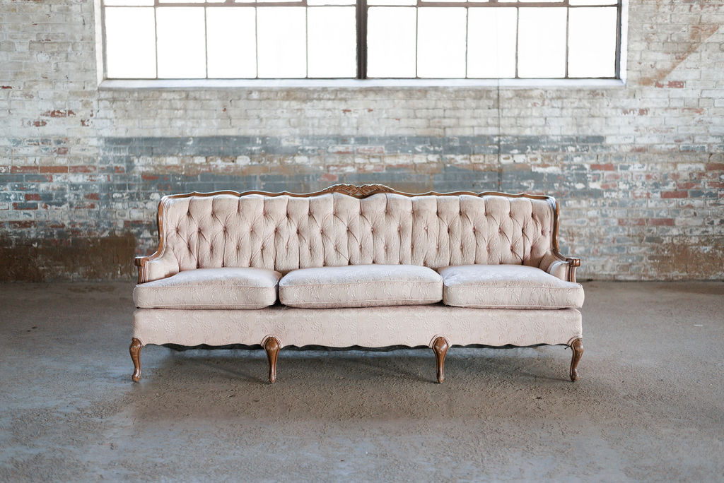 Scarlet Sofa in Pink Tuft