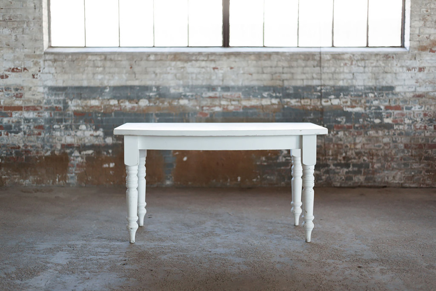 Alley Farm Table in White