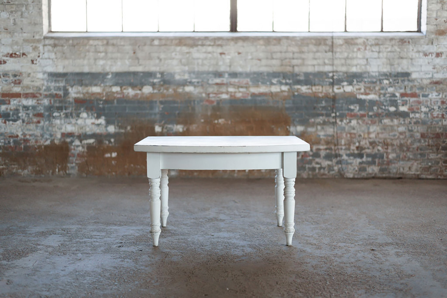 Alley Farm Table Petite in White