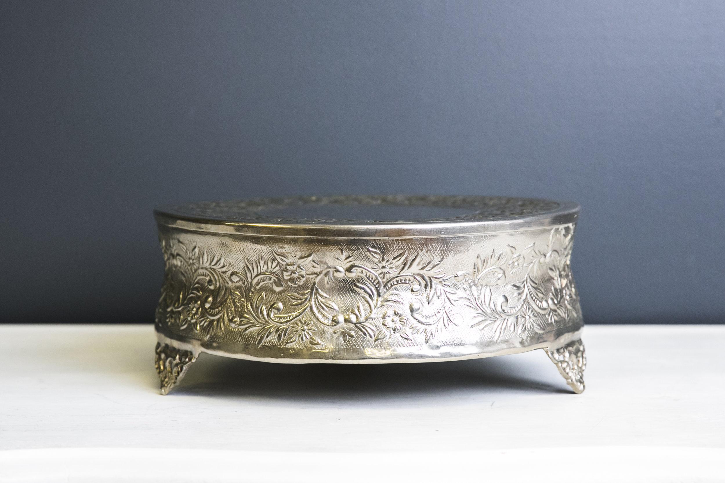 Elizabeth Cake Drum 10 inch - Silver