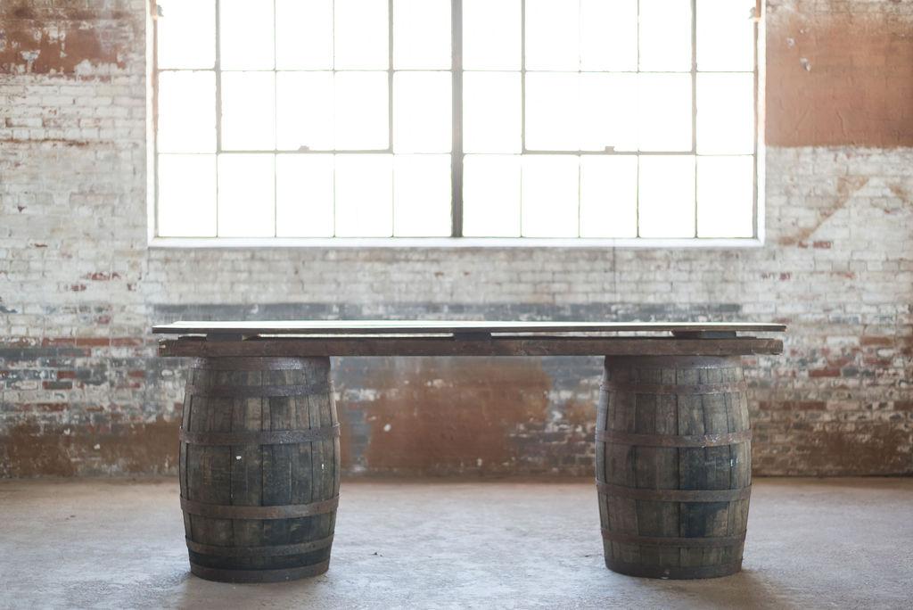 Whiskey Barrel Bar (Brown)