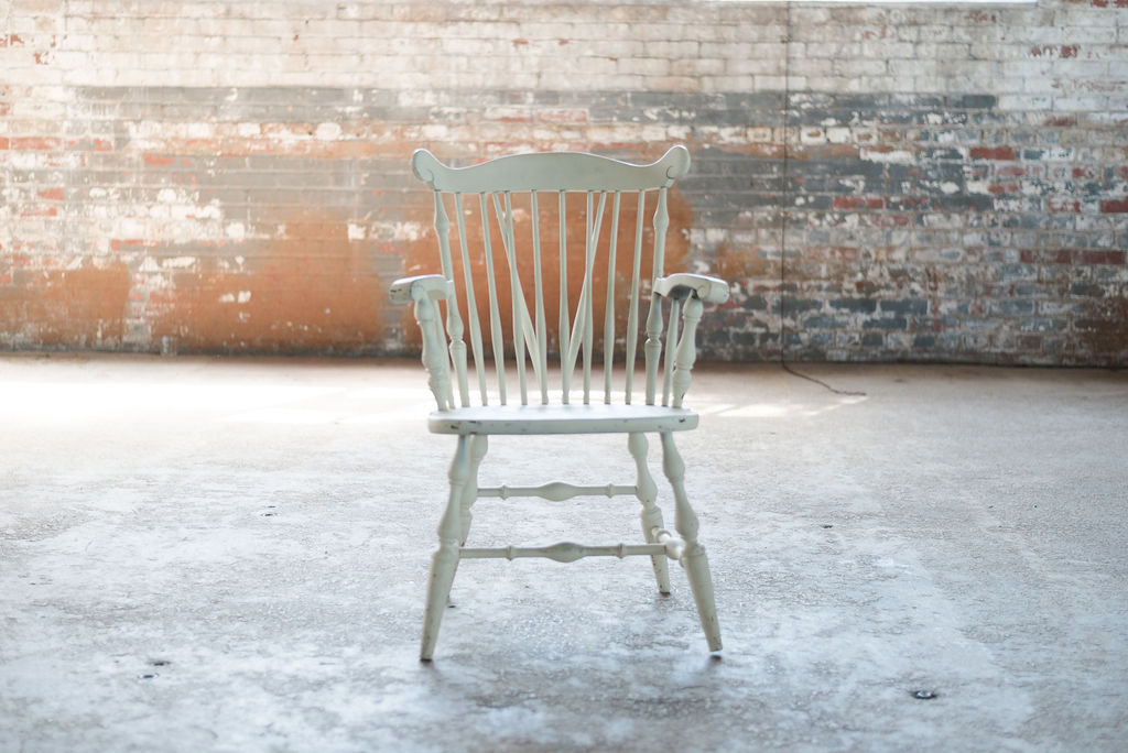Windsor Arm Chair (White)