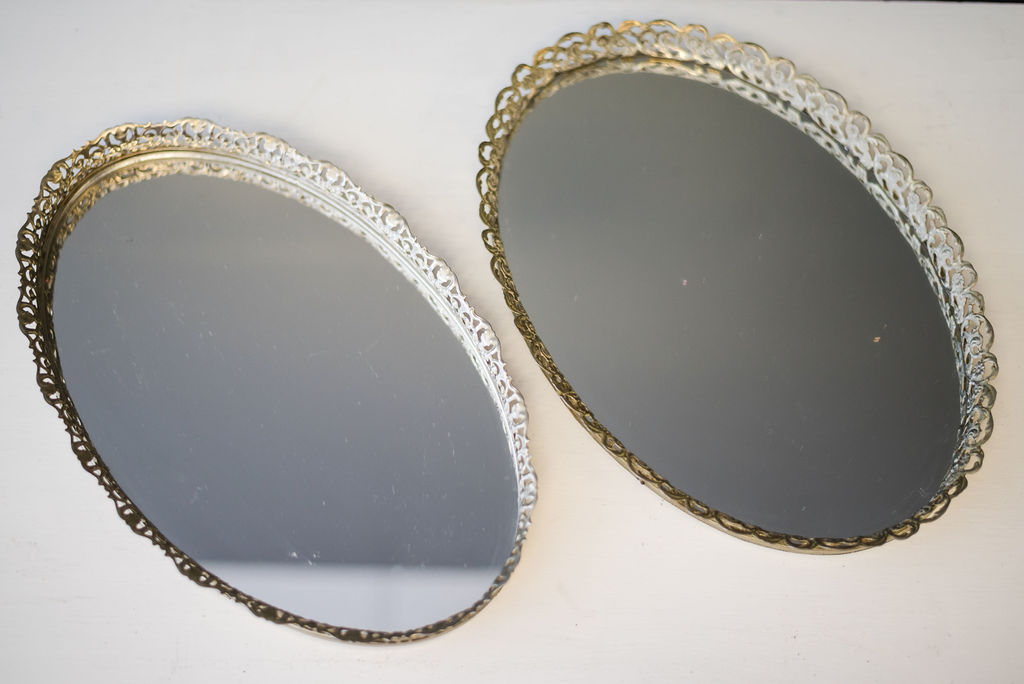 Inez Oval Mirrored Tray (Gold)
