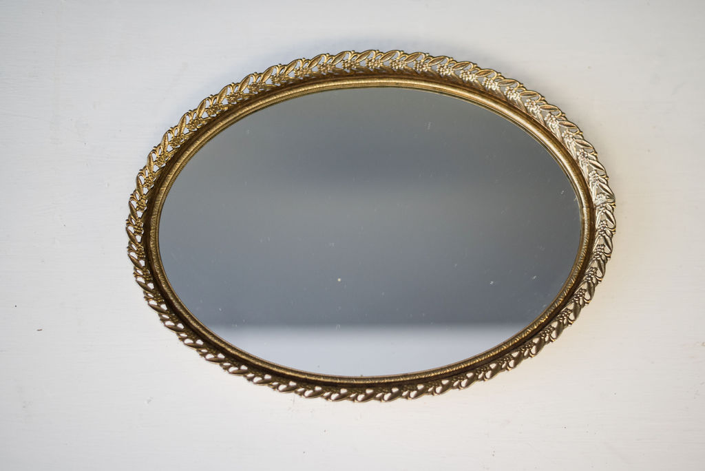 Pearl Oval Mirrored Tray (Gold)