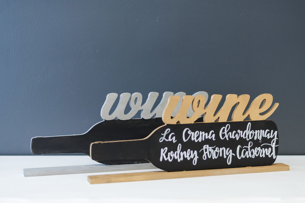 Wine Bottle Bar Signs (Gold and Silver)