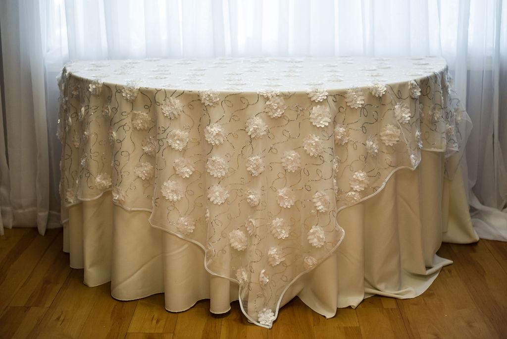 72SQ White Florette Overlay Linen