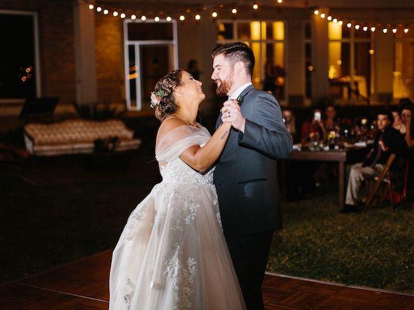 Southern Charm Events- Jacksonville wedding planner – Cummer Museum wedding - first dance.jpg