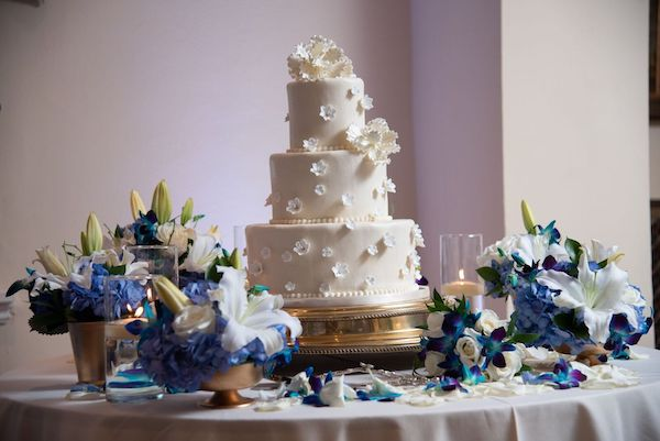 9 - Epping Forest wedding – Southern Charm Events – Jacksonville wedding - wedding cake with sugar flowers.jpg