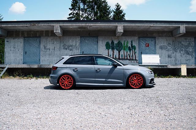 Those lines tho! . . . . . #allemannperformance  #allemann #performance #audi #audirs3 #rs3 #audirs #rs #rs38v #audirs #nardogrey #nardograu #aadorf #audigarage #audituning #audiwerkstatt #nardo #swisstuner #tuning #tuningswitzerland #abt #tuningschweiz #audisport  #sportscars #thurgau #tuningfansschweiz #aptuning  #tuningszene #leyo #leyoswitzerland #audisport