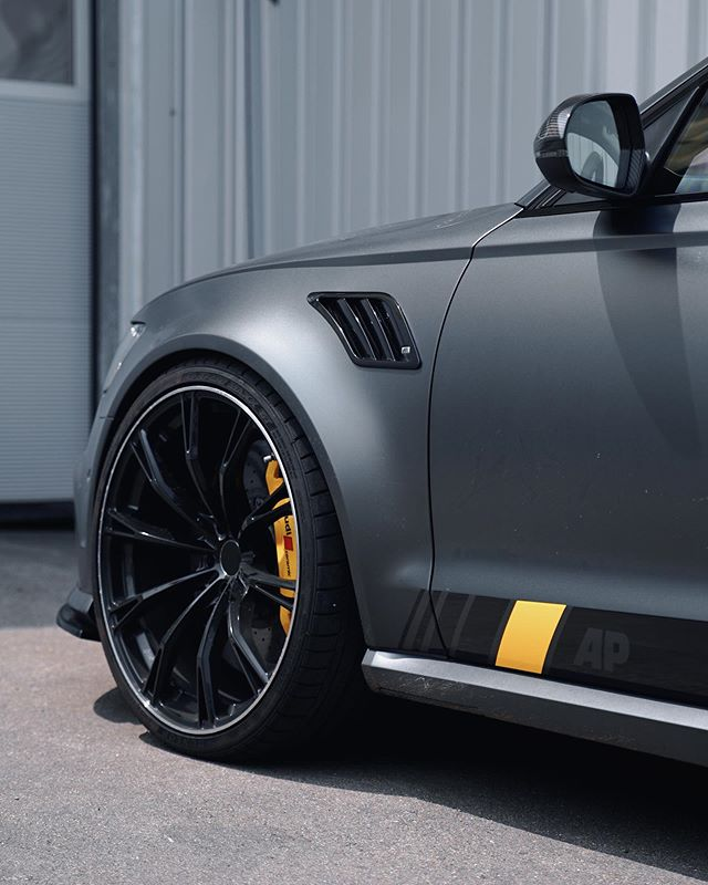 Finally this AP705 got the right brake calipers. Thoughts?. . . . . . #allemannperformance  #allemann #performance #audi #audirs6 #rs6 #audirs #rs #aadorf #audigarage #audituning #audiwerkstatt #swisstuner #tuning #ap #tuningswitzerland #tuningschweiz #audisport #manufactory #sportscars #thurgau #360rec  #tuningszene #racinglineperformance #tuninglife #audisport #racinglineswitzerland #aptuning #rswerkstatt #aptuning #leyoswitzerland