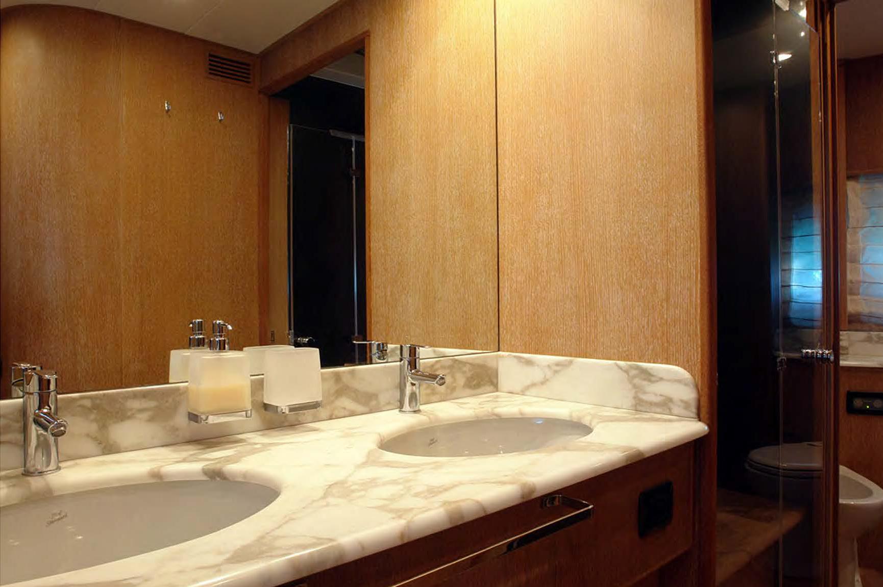 Jana_Master_Bathroom.jpg