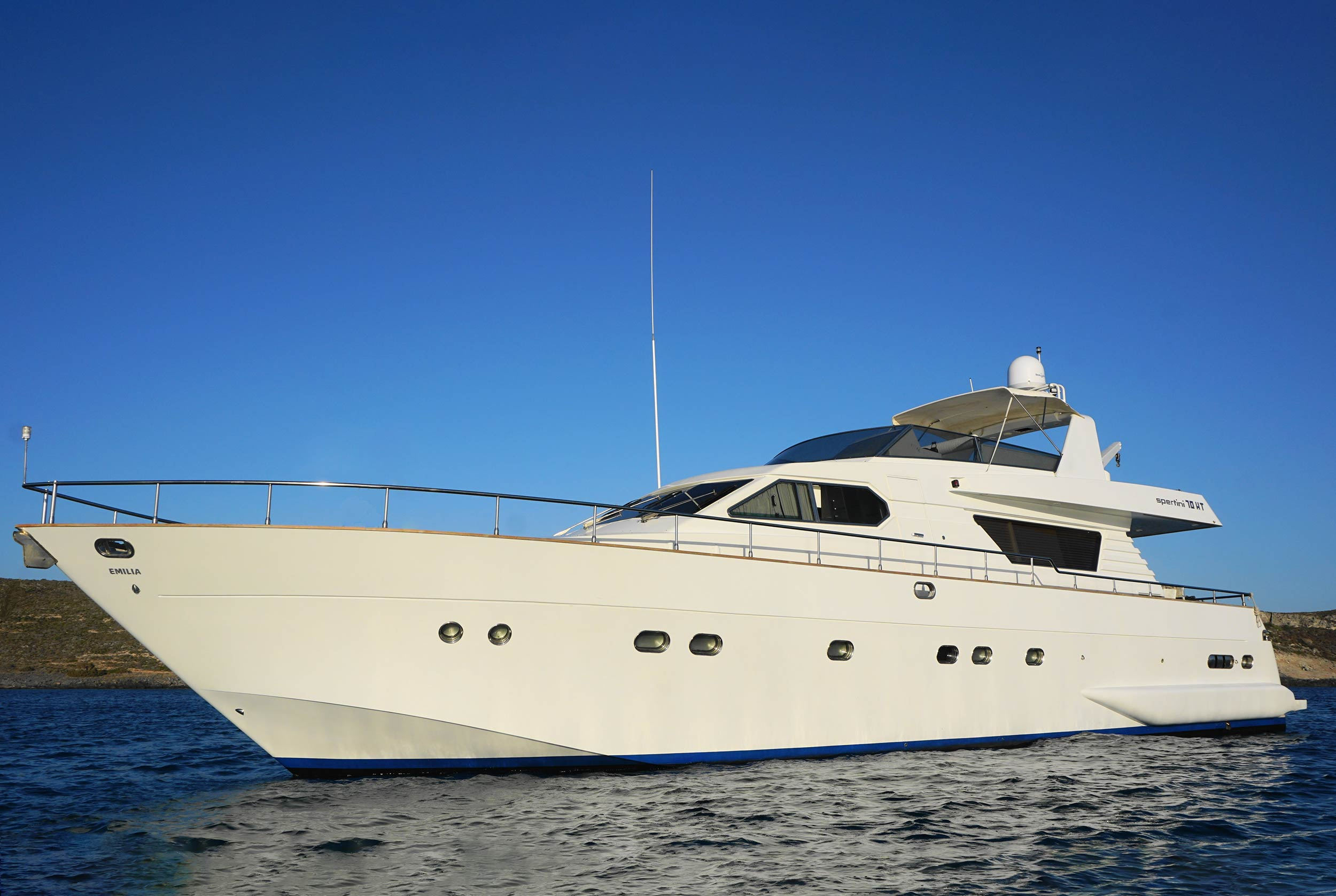 M/Y EMILIA - Discover the endless beauty of the Greek islands onboard Emilia!