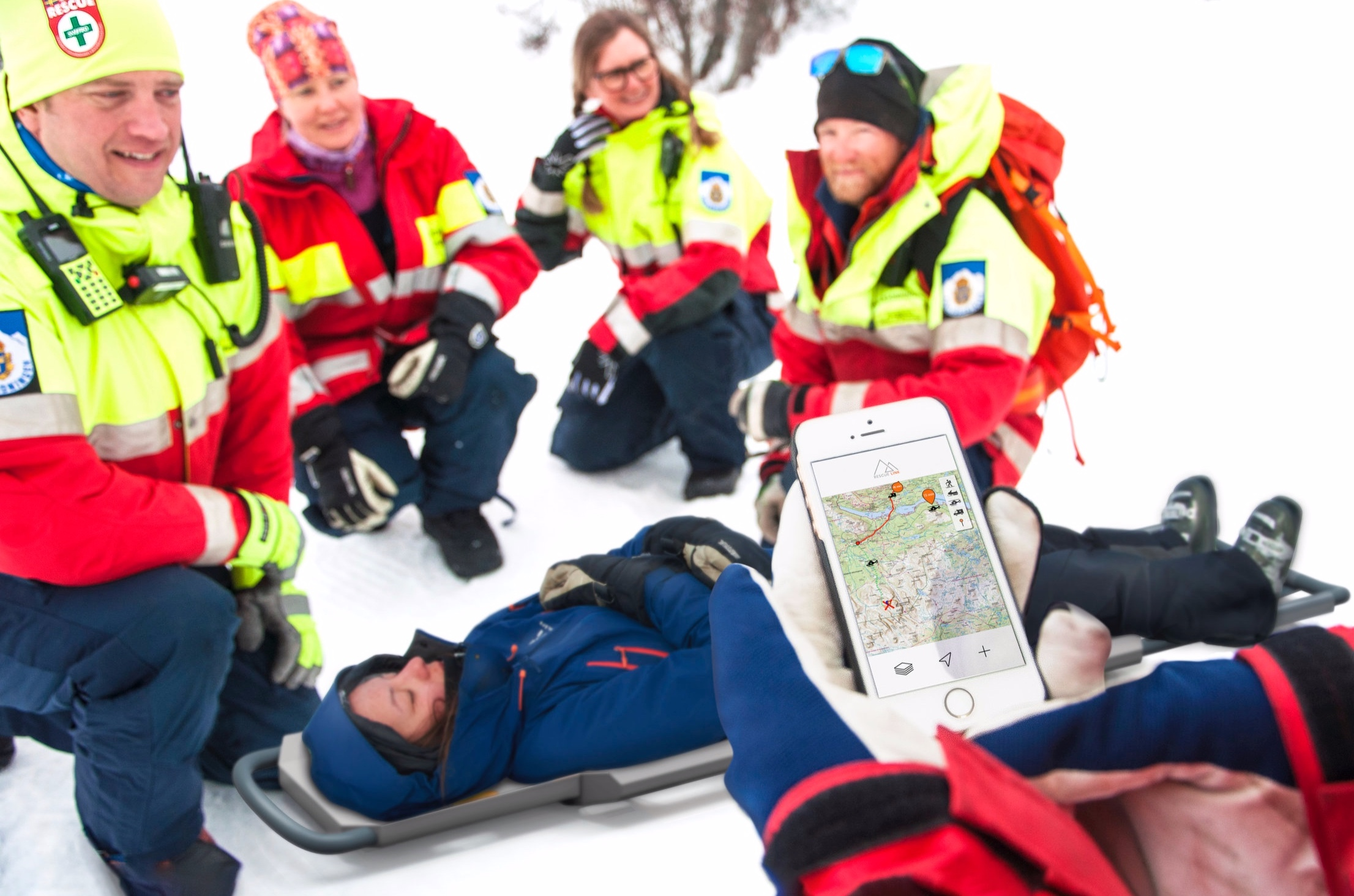 3.Rescue team - The Swedish mountain rescue team can easily plan the rescue in the application. By building the rescue chain together with ambulance and helicopter teams through exact positioning on the map and simple contact to everyone involved.