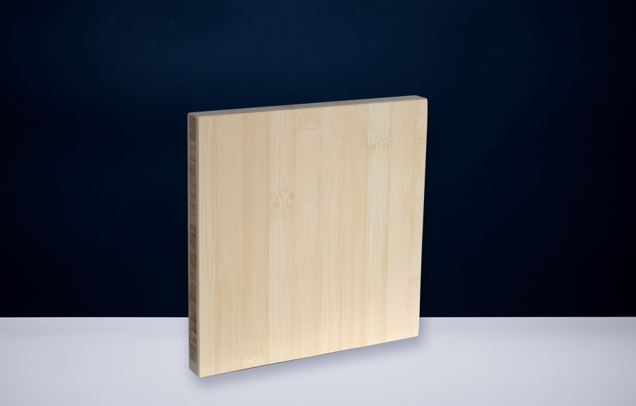 Bamboe 200 x 200 x 20 mm   Afmeting tombstone: 200 x 200 x 20 mm  Prijs per stuk € 50,00 | Art. B205