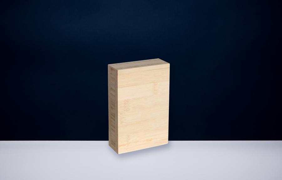 Bamboe 402 | 100 x 150 x 40 mm   Afmeting tombstone: 100 x 150 x 40 mm  Prijs per stuk € 50,00 | Art. B402