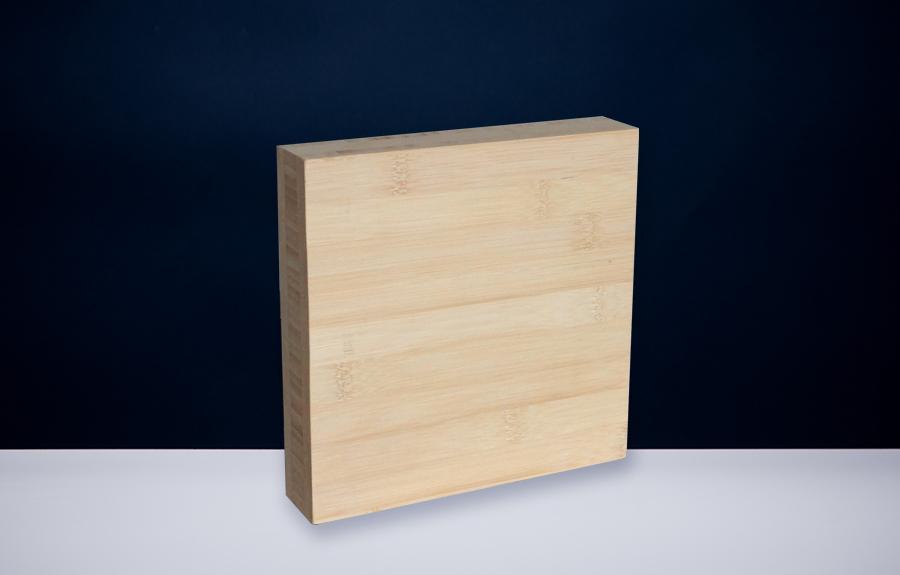 Bamboe 405 | 200 x 200 x 40 mm   Afmeting tombstone: 200 x 200 x 40 mm  Prijs per stuk € 80,00 | Art. B405