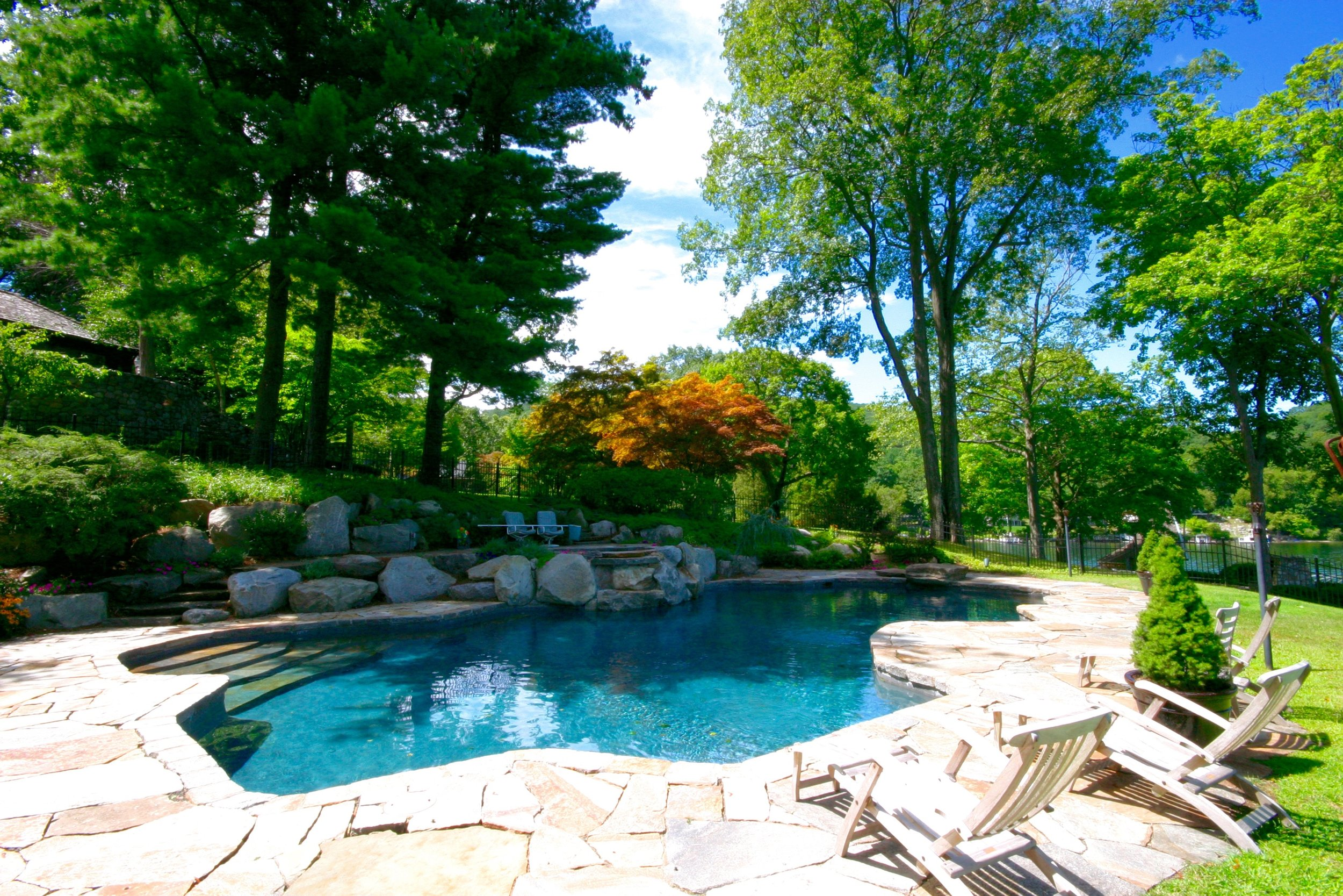 In-ground free form gunite swimming pool and spa