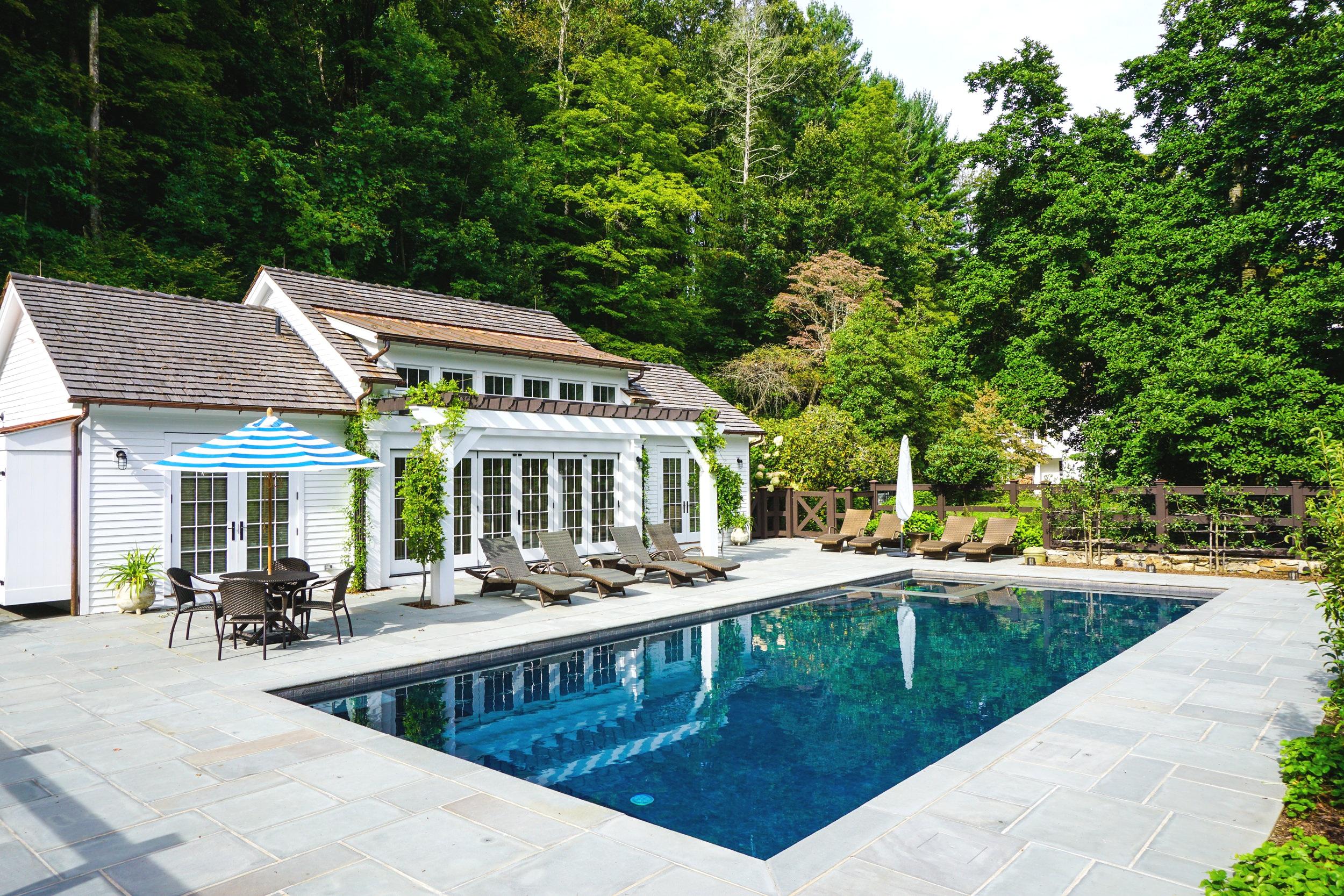In-ground custom gunite swimming pool and spa