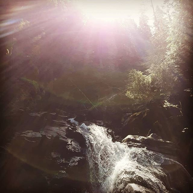 Snow Creek Falls vol.2 had to go to the lower falls this time.  #farnorth #farnorthoutfitters #getoutside #bonnersferry #nature #lifesgood #lifestyle #goodlife #river #creek