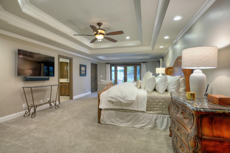 15977 Grandview Dr Monte-large-033-28-Master Bedroom-1500x1000-72dpi.jpg