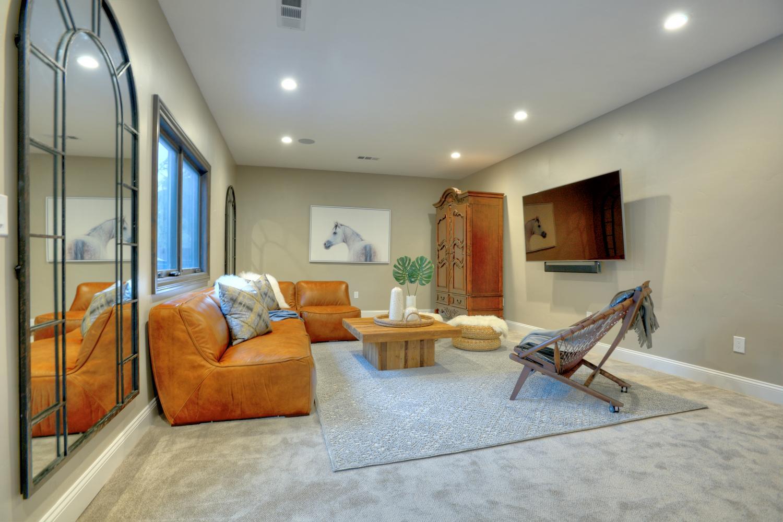 15977 Grandview Dr Monte-large-030-18-Family Room-1500x1000-72dpi.jpg