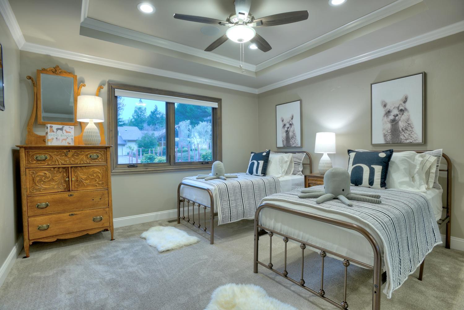 15977 Grandview Dr Monte-large-038-20-Bedroom One-1499x1000-72dpi.jpg