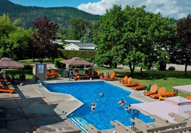 Holiday Park RV & Condo Resort, Lake Country