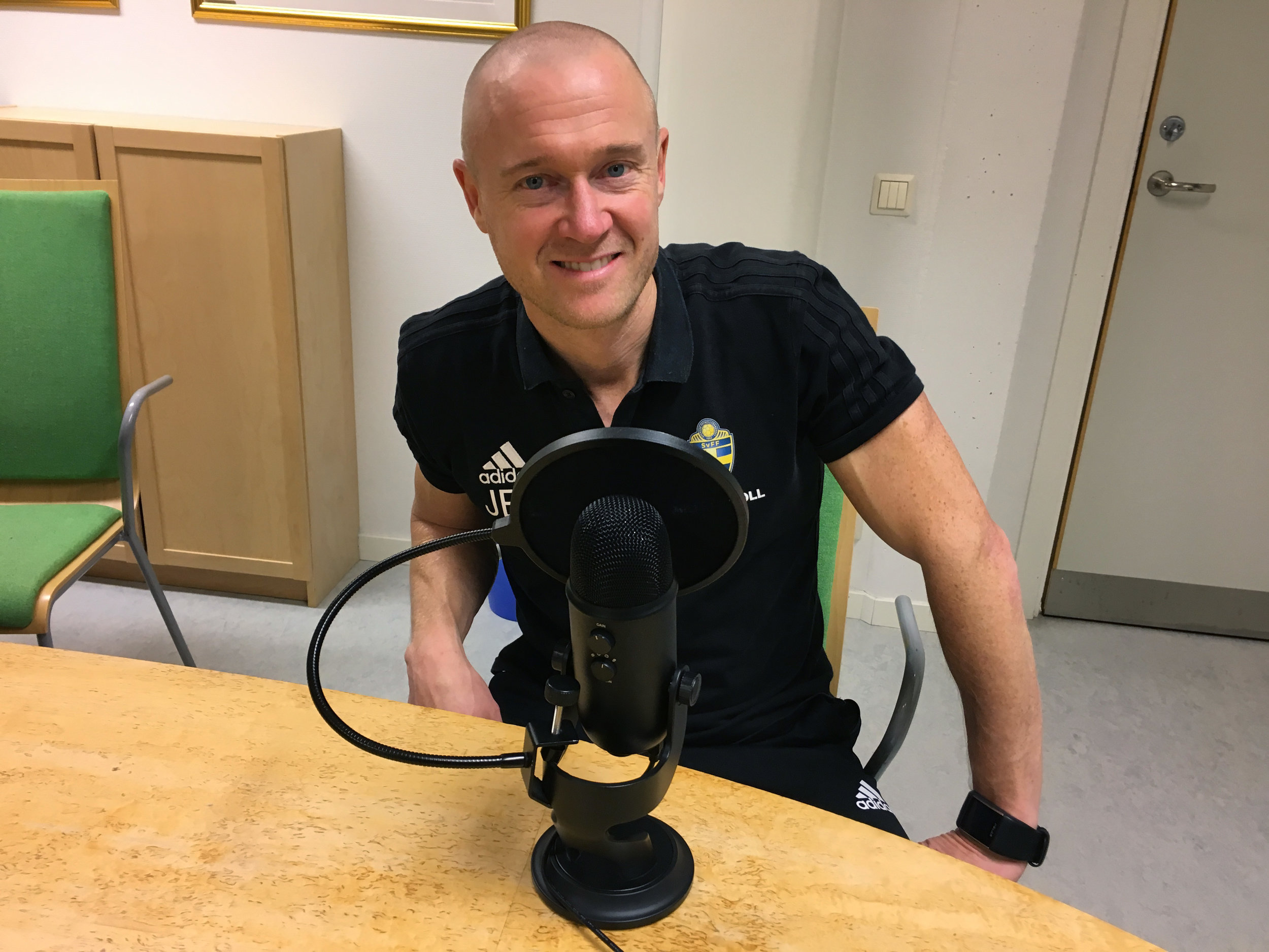 21 Jonas Bergdahl Lindkvist Danderyds gymnasium Padelpoden.jpg